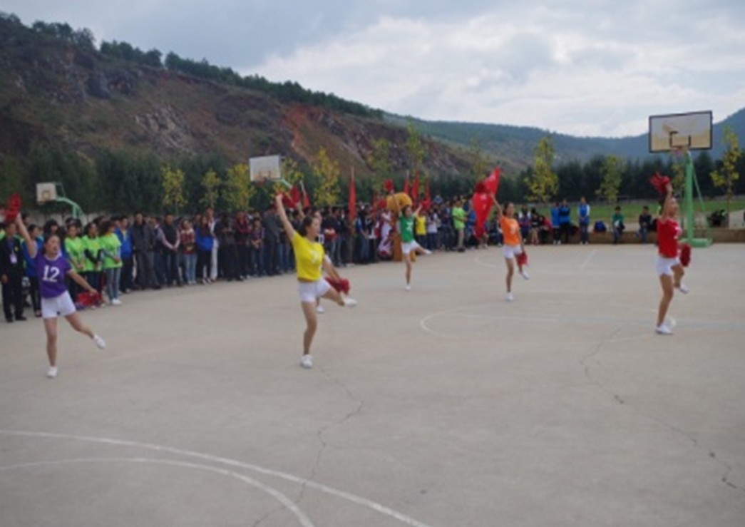 旅游管理系迎新篮球赛开赛